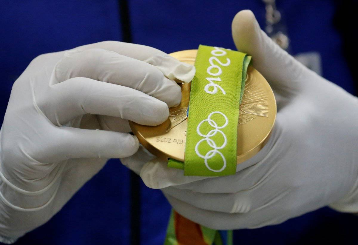 Making Rio Medals19